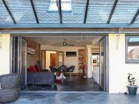 coloured-aluminium-windows-and-doors-15