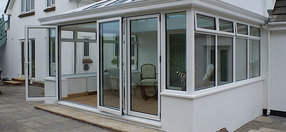 aluminium-multifold-doors-conservatory