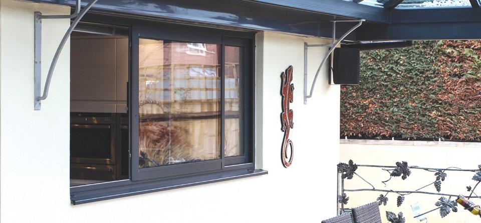 horizontal-sliding-aluminium-window-open